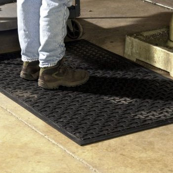 Stand_Ease_Rubber_Kitchen_Mat_Install_2